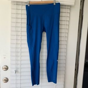 Lululemon Fast and Free 7/8 leggings Sz 8 blue